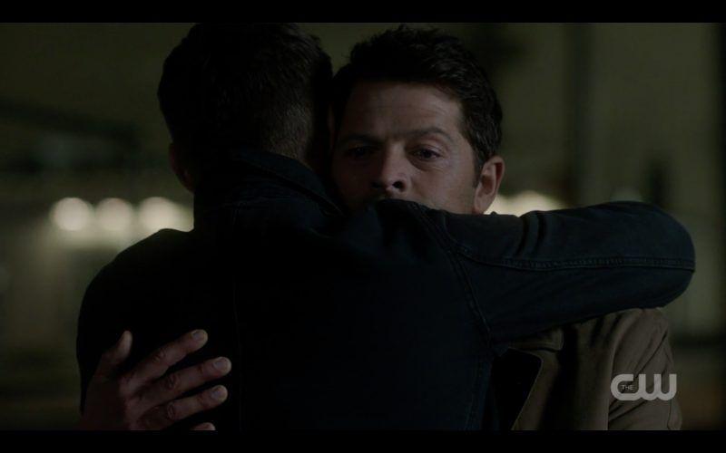 supernatural 1306 dean winchester hugs castiel misha collins tombstone